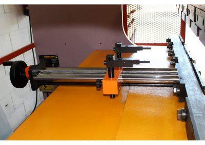 Montaje de un Tope Manual RPS-500/2 en plegadora