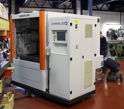 Charmilles Robofil 690 para la ampliar el servicio Post-venta Metalmaq