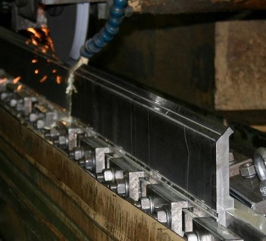Rectificado de punzón en las instalaciones de Metalmaq