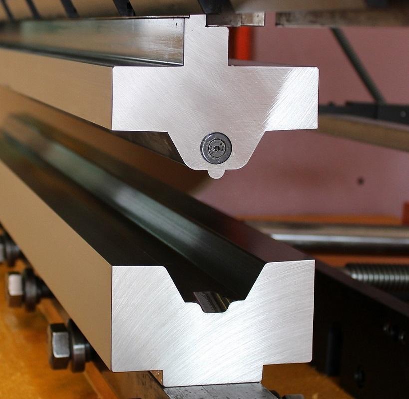 Útil especial de embutición (vista 1), montado en plegadora MEBUSA